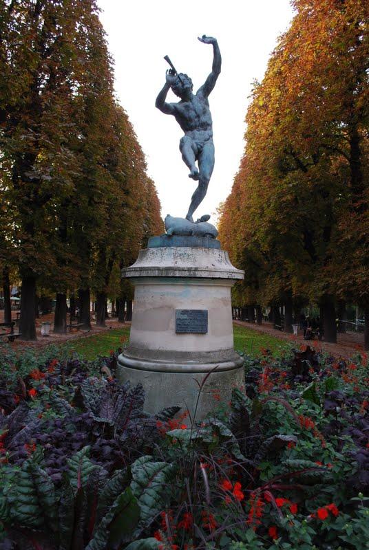 Wanderlust traveler the grand finale in paris - Jardin du luxembourg hours ...