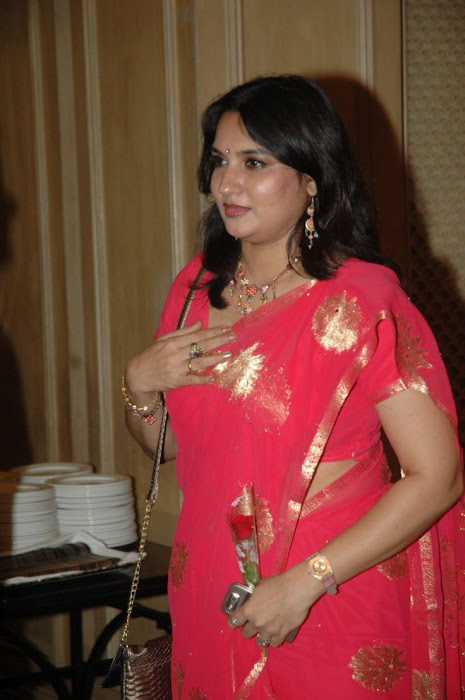 sukanya s in red saree photo gallery