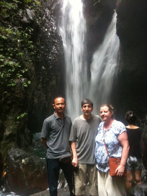 twin waterfall gitgit