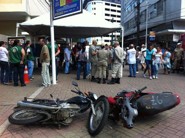Público prestigia inauguração da exposição de fotos da campanha de prevenção a acidentes de moto