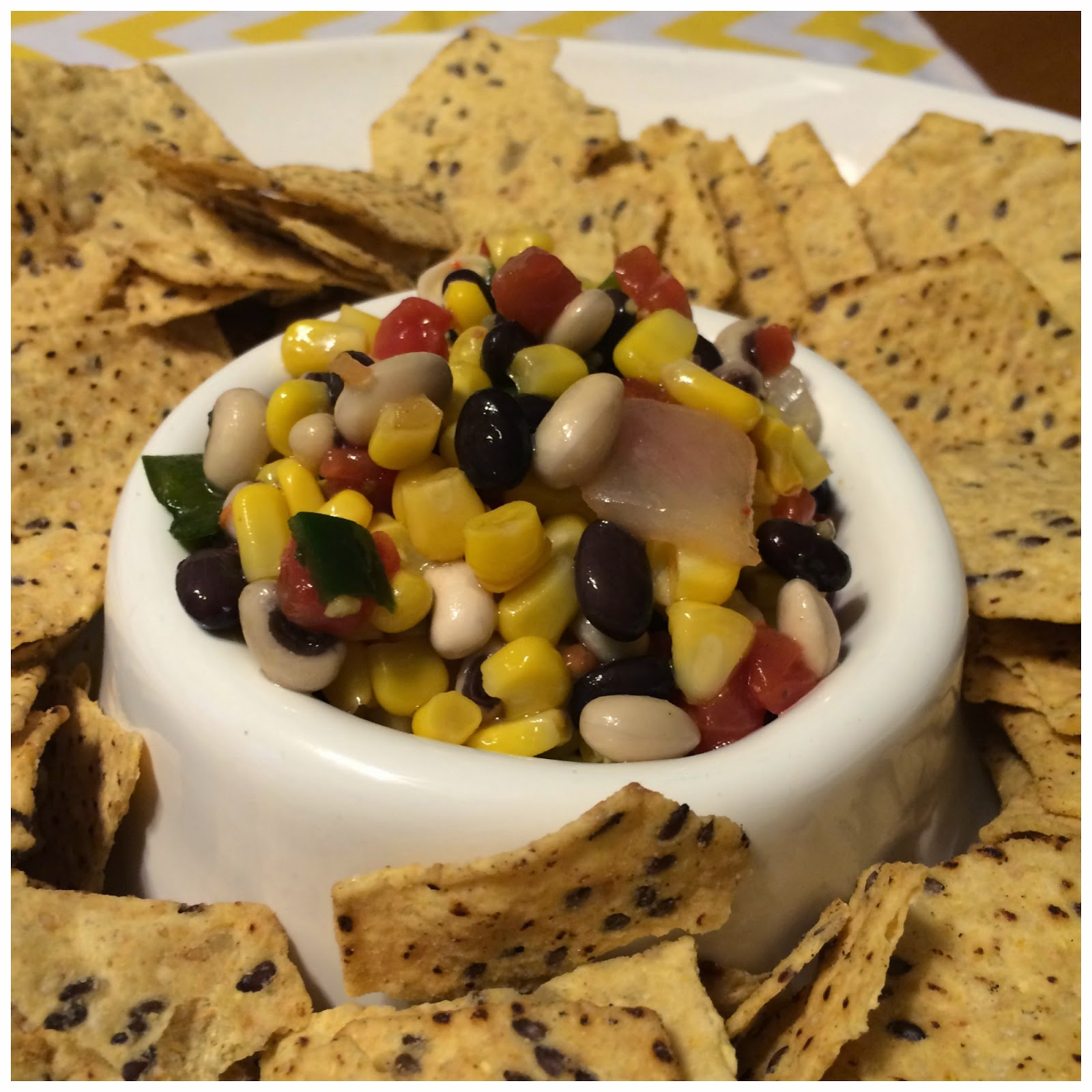 Southwest Salsa Dip : The Chirping Moms