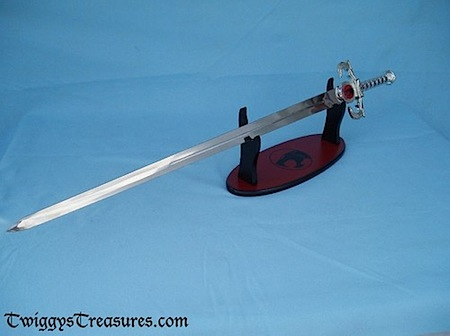Thundercats 2011  Sword Omens on Thandercats Sword Of Omens Photo