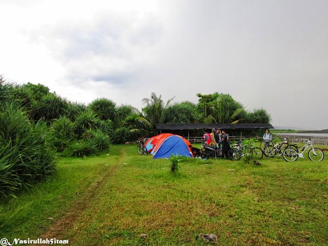 Dua tenda yang kami gunakan