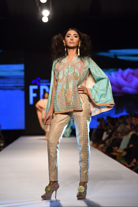 Wardha Saleem, Collection, Pakistan Fashion Week, Designer Collection, TFPW15, Telenor Fashion Pakistan Week, Spring Summer 2015, ss15, trends of 2015, fashion week, fashion show in Pakistan, Fashion addiction, The Lotus Song, Madhubani, fashion blogger, Hot Pakistani Models, Manish Arora, redalicerao, red alice rao, Fashion Pakistan Council, Pakistan fashion, Luxury Pret, Pret a porter