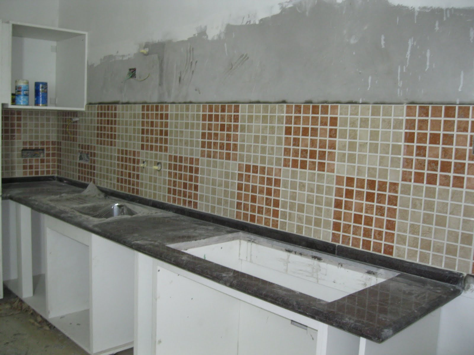 Modular kitchen tiles crowdbuild for for Kitchen tiles design photos