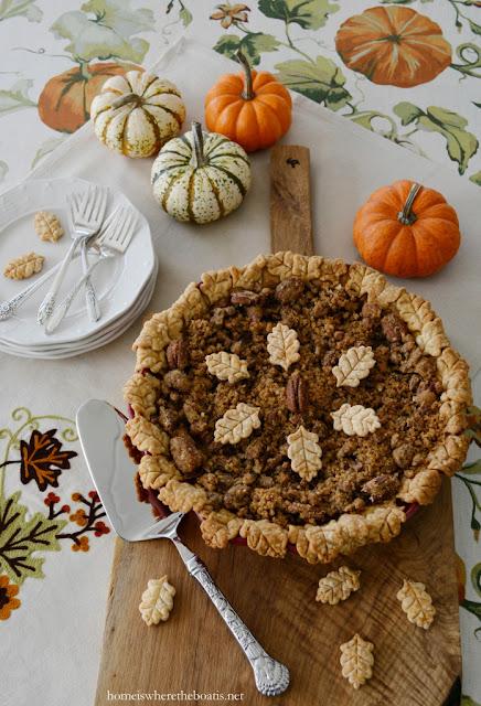 Pumpkin Pecan Streusel Pie