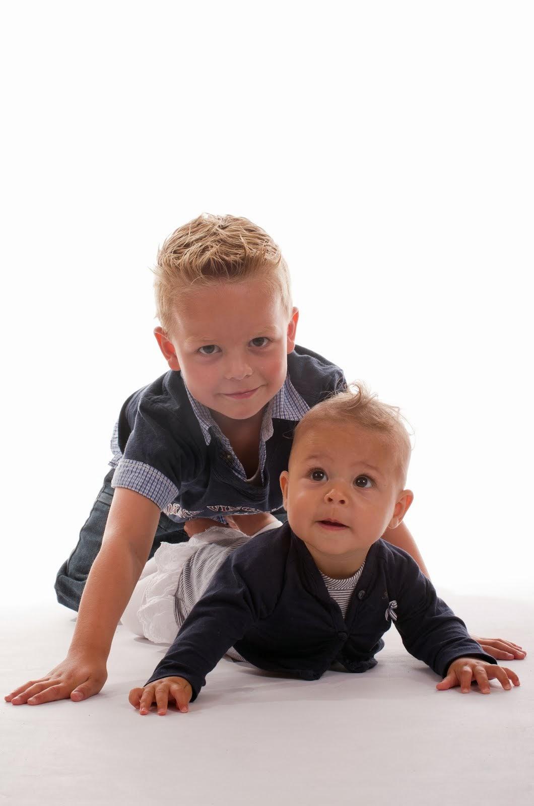 Onze kleinkinderen Destinn en Zenzi