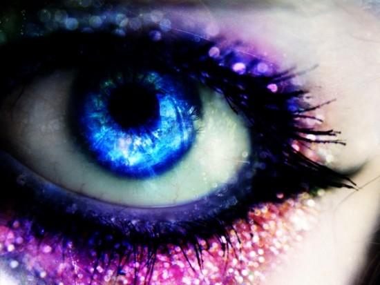 Pink Glittery Eye Makeup