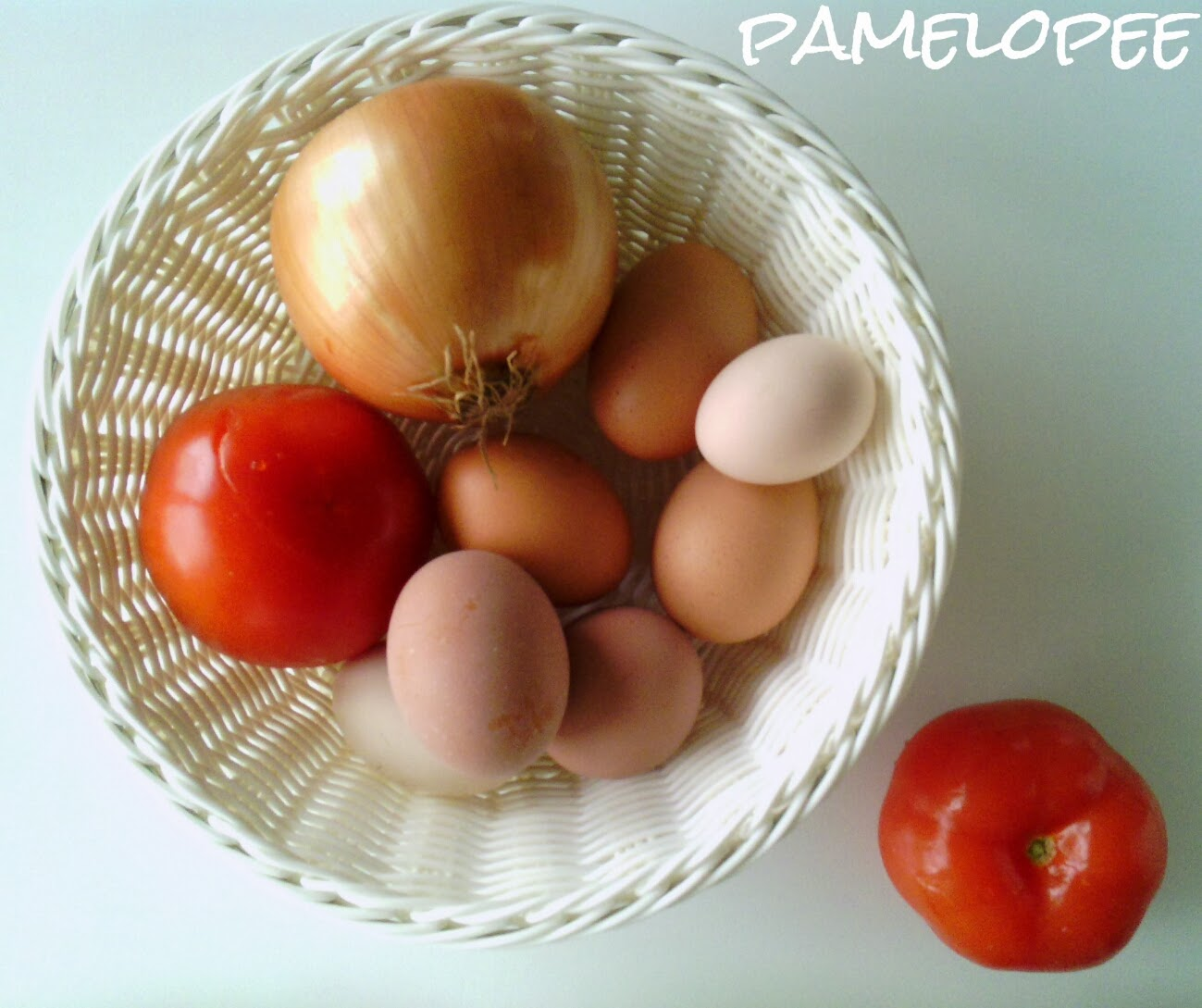 pamelopee rezept tomaten omelette. Black Bedroom Furniture Sets. Home Design Ideas