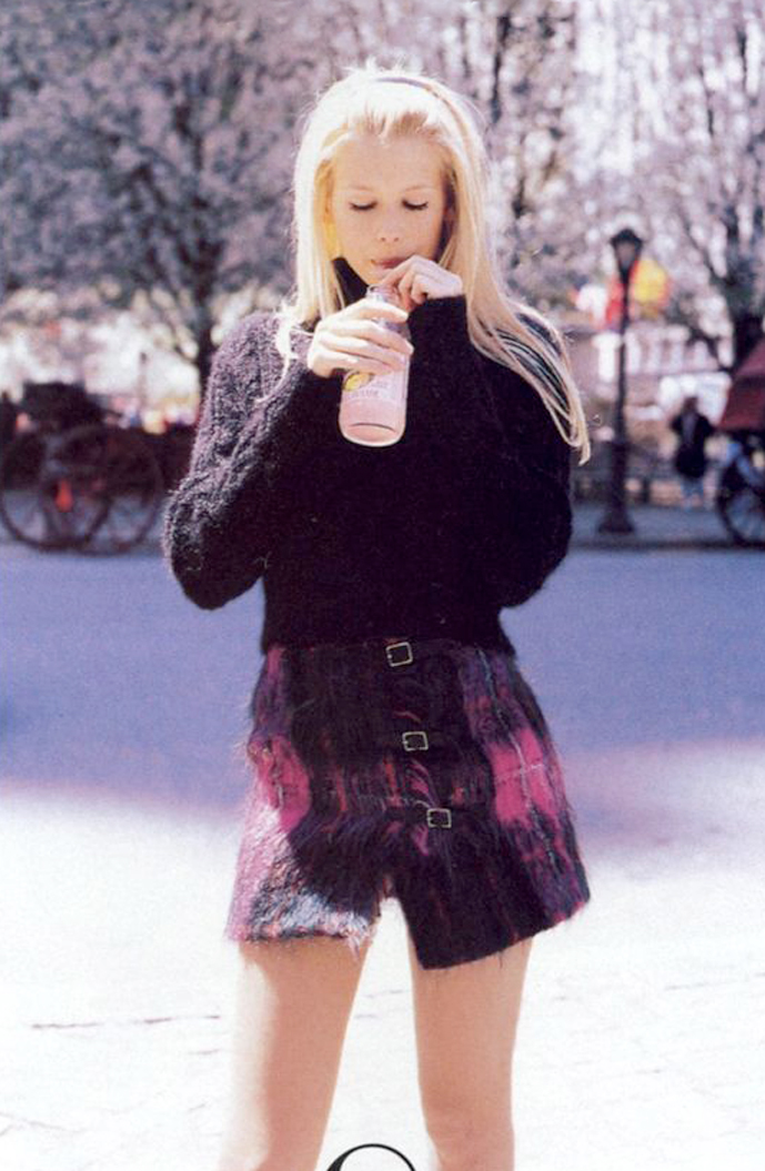 Claudia Schiffer in Short & sweet / Vogue US July 1994 (photography: Pamela Hanson, styling: Brana Wolf) via fashioned by love british fashion blog