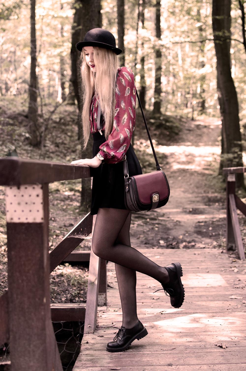 ootd outfit blog modowy lifetylowy kosmetyczny rajstopy czarne second hand bluzka