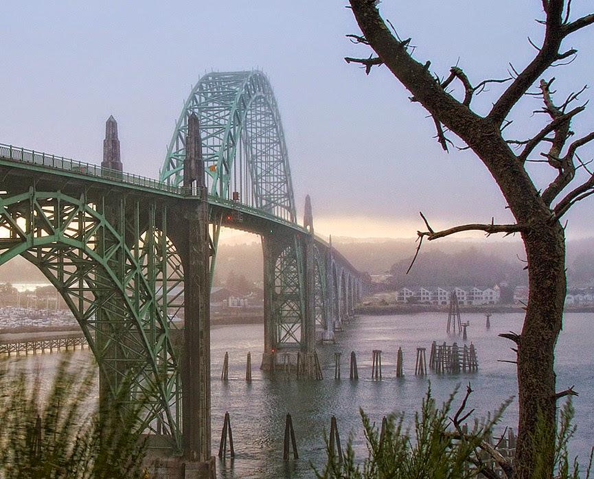 Yaquina Bay Bridge, Oregon, USA
