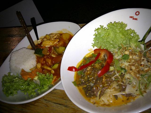 Món ăn tại nhà hàng Vietbowl