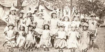May Fete of 1915 - kossuthhistorybuff.blogspot.com - Celebrating history of Kossuth County