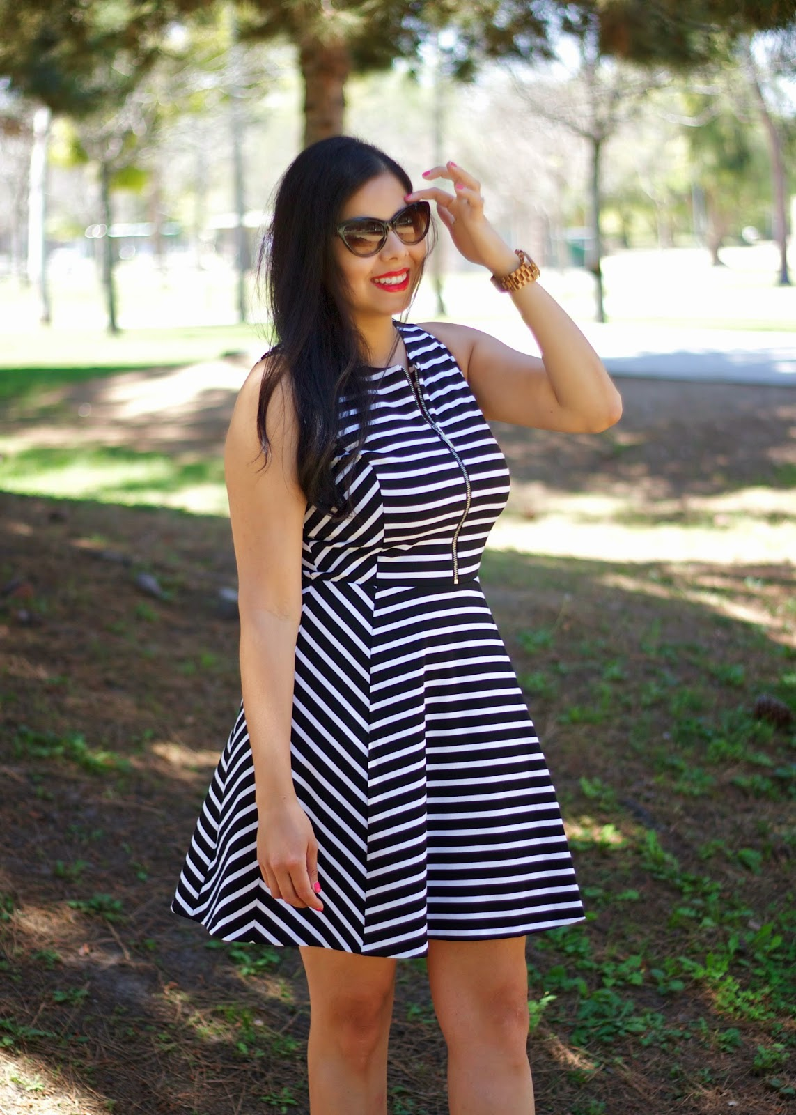 Black and White Stripes, black and white striped dress, bareminerals light it up moxie lipstick