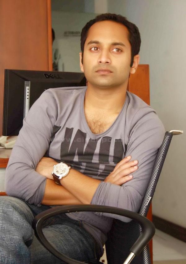 Fahad Fazil in Love with Andrea Jeremiah!  Job Hunterfb