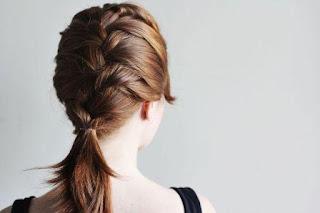 Gaya rambut kepang perancis