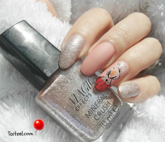 pink nail art model de unghii cu oja roz feminin