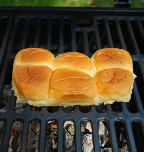 toasting buns on grill