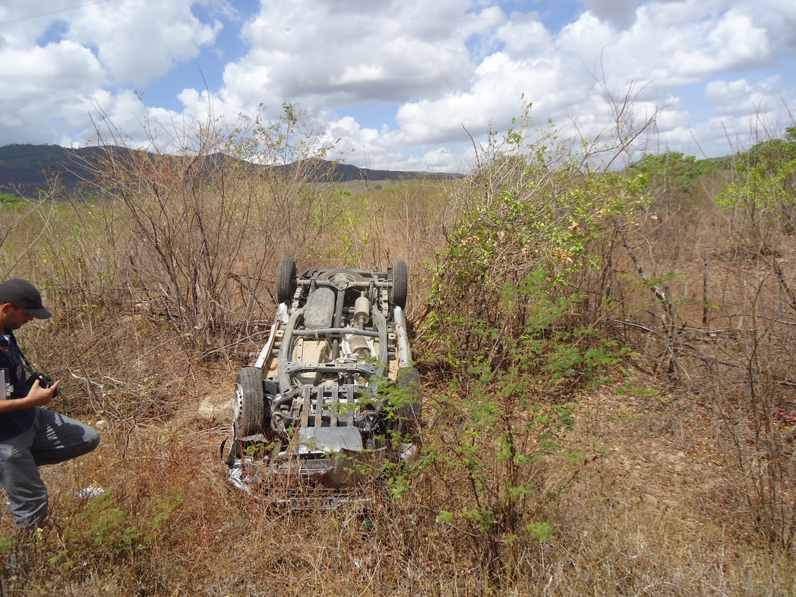 Carro capota e deixa vítima fatal na CE 366, no município de Reriutaba.