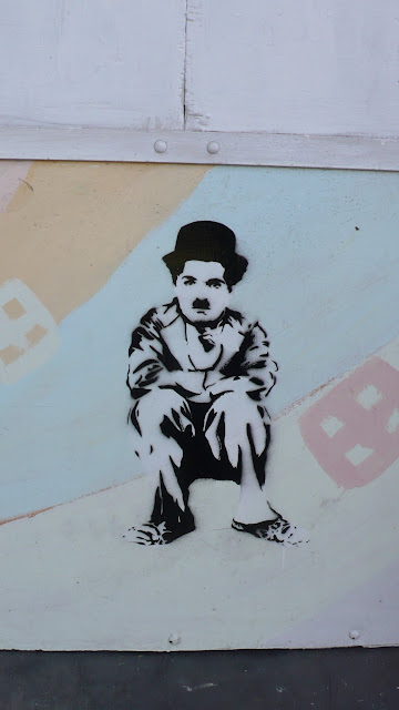 stencil art in santiago de chile chaplin