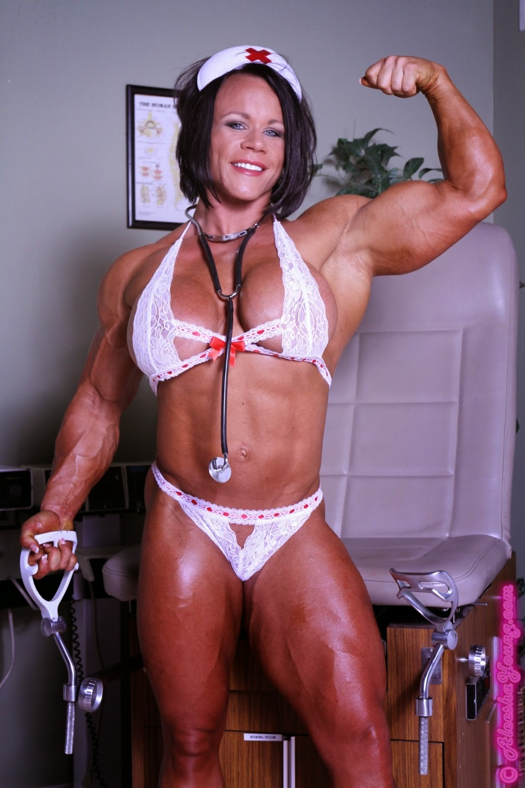 Free video muscle woman sexy images