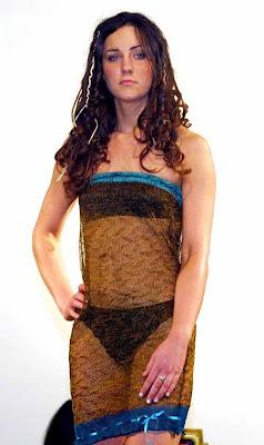 kate_middleton_in_fashion_show_FilmyFun.blogspot.com