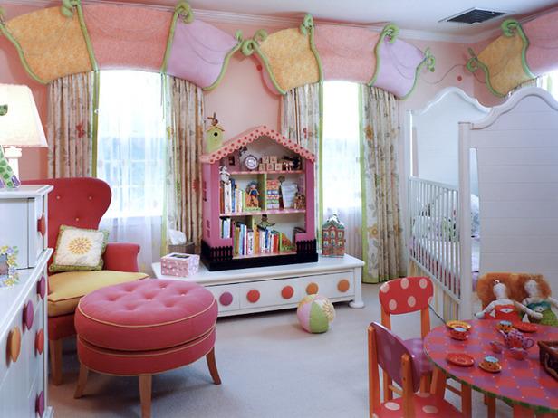 Les filles aiment décorer leur chambre le choix des couleurs et des accessoires de sorte faire une expérience amusante et dimpliquer votre fille quand