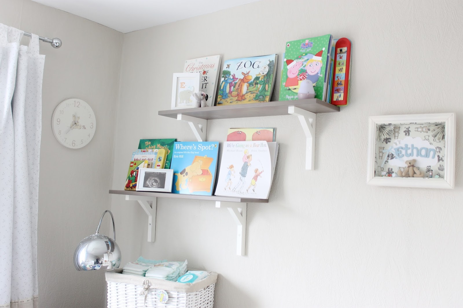 modern nursery, neutral nursery, nursery inspiration, grey-brown hemnes ikea, baby room, neutral babies room, house tour, modern decor, neutral house decor, baby book shelves