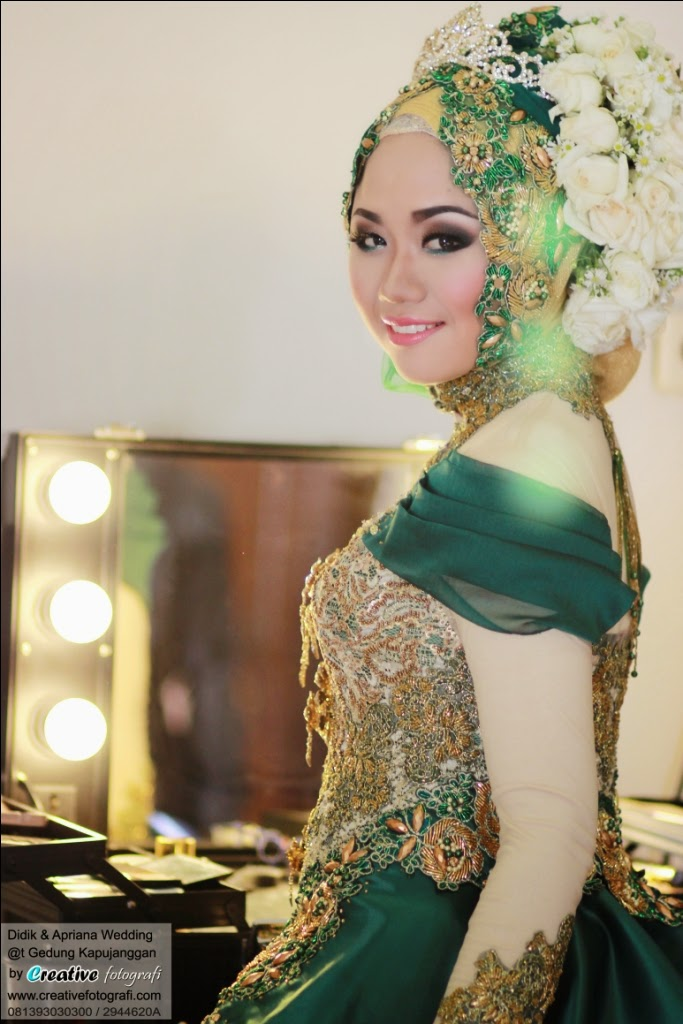 foto pernikahan pengantin adat jawa muslim berjilbab