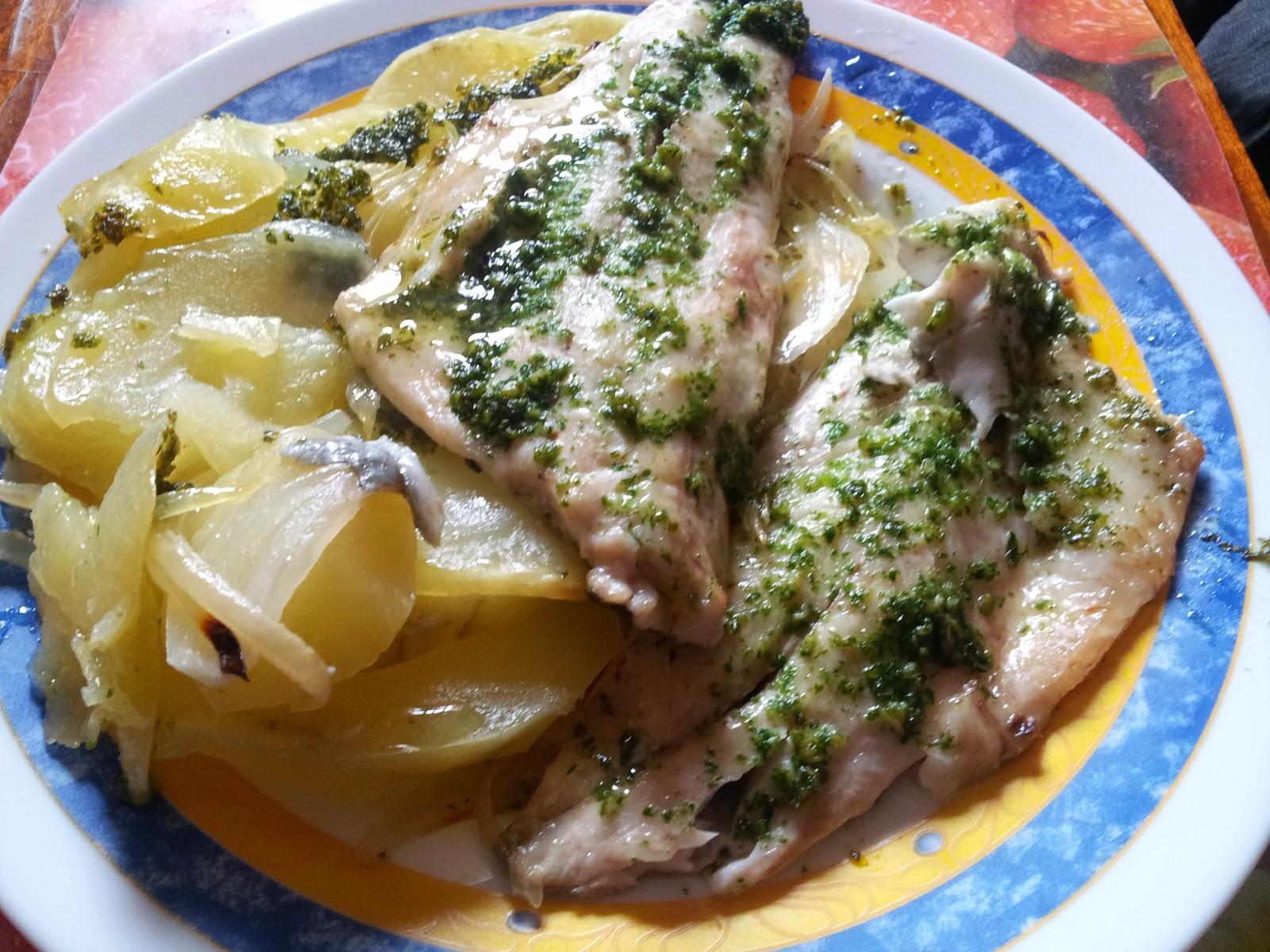 Cocinar y disfrutar filetes de lubina con patatas y for Cocinar repollo con patatas