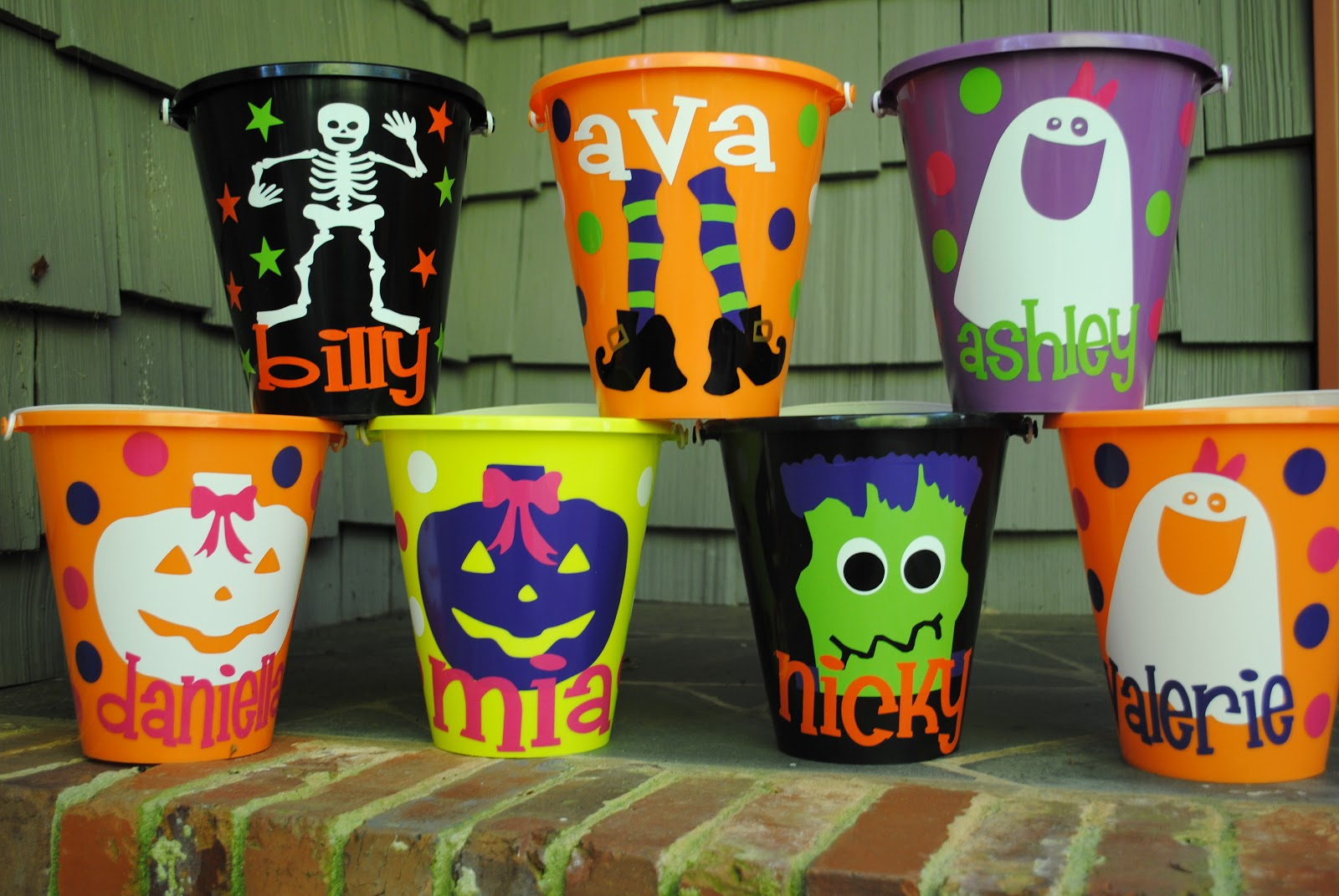 Jennie From The Blocks Halloween Buckets