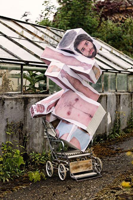 Fabien Nissels fotografia homem blocos modular surreal