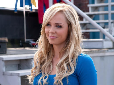 Laura Vandervoort Lovely Wallpaper