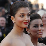 Aishwarya Rai Showcasing Massive Cleavage in Black Dress
