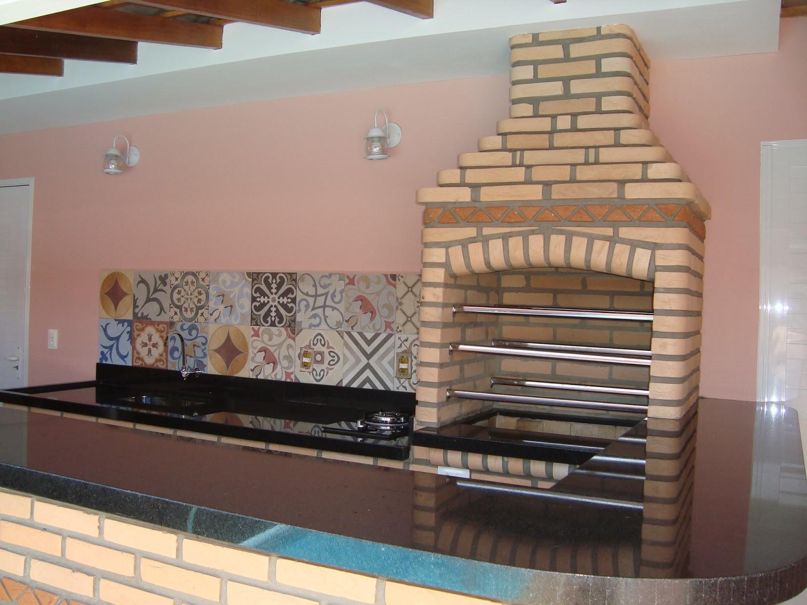 Ela é totalmente artesanal e levou uma semana para ser construída. #477484 1600x1200 Balcao Banheiro Artesanal