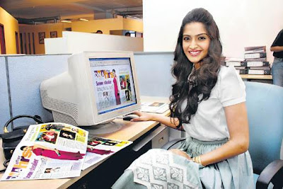 actress Sonam Kapoor at DNA Office