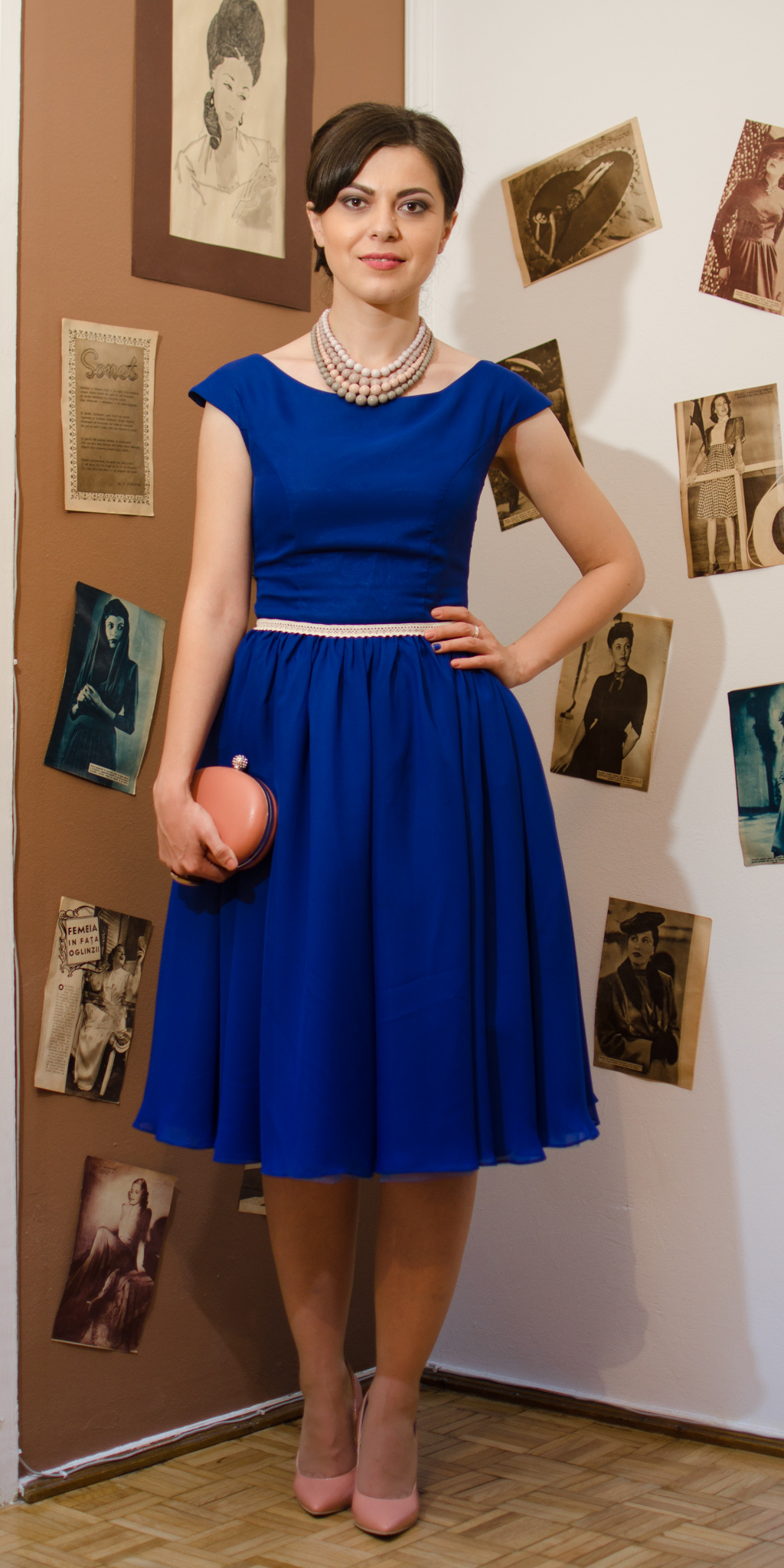 50s diva style cobalt blue dress sheer flowy chiffon dusty pink heels clutch statement necklace vintage retro