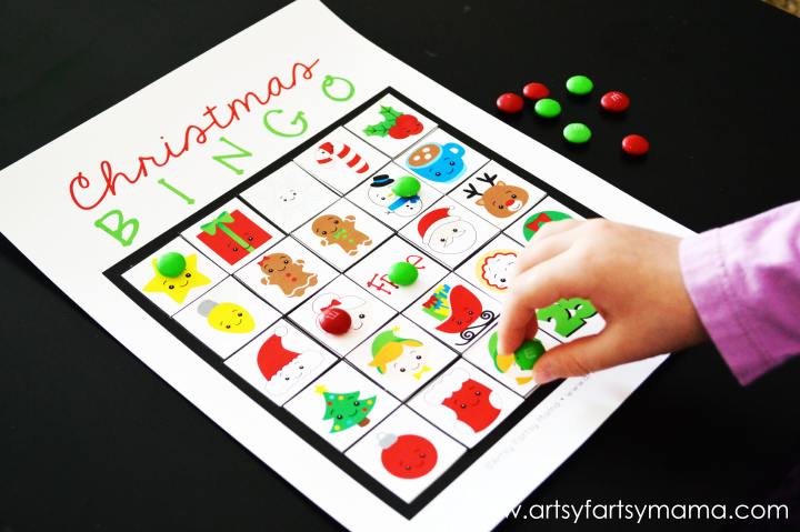 Free Printable Christmas Bingo at artsyfartsymama.com