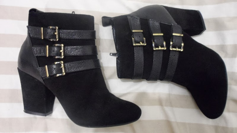 Jones black oggle ankle boots