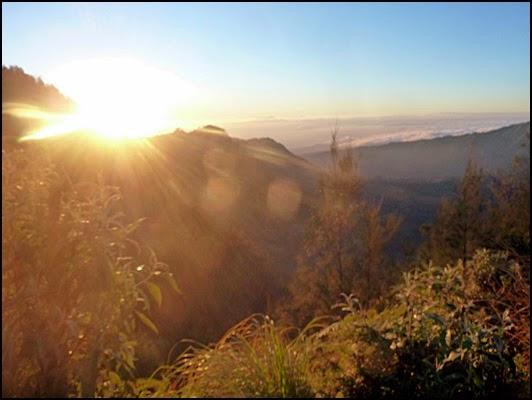 Matahari Terbit di Bukit Kingkong