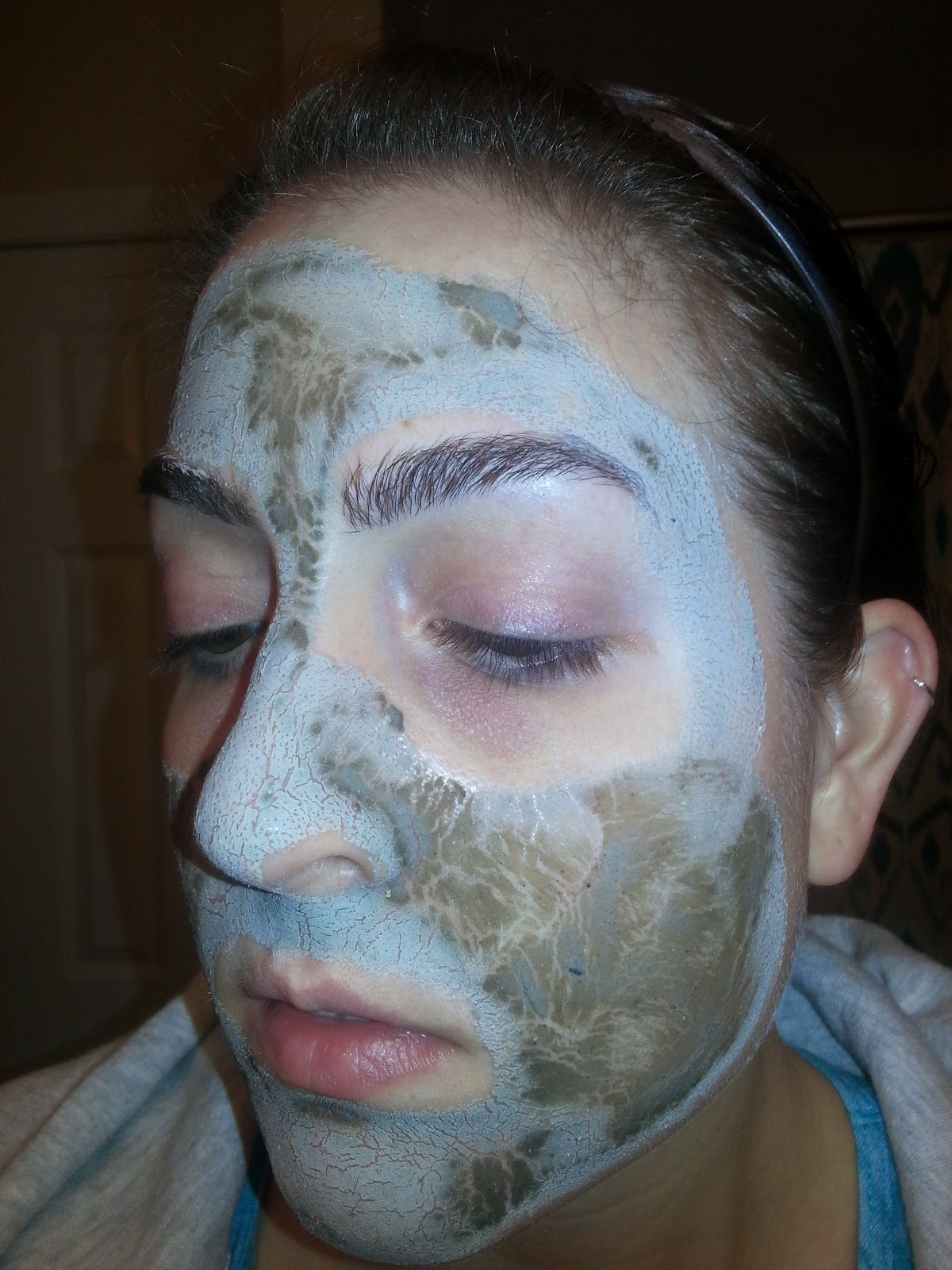 Cell Re-Mineralizing Mud Mask with Pure 24 Ct Gold and Citrus Bioflavonoids