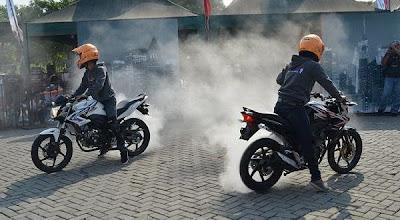 Road Show Honda CB150R