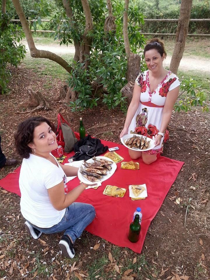 festival sardina candas asturias fiesta picnic