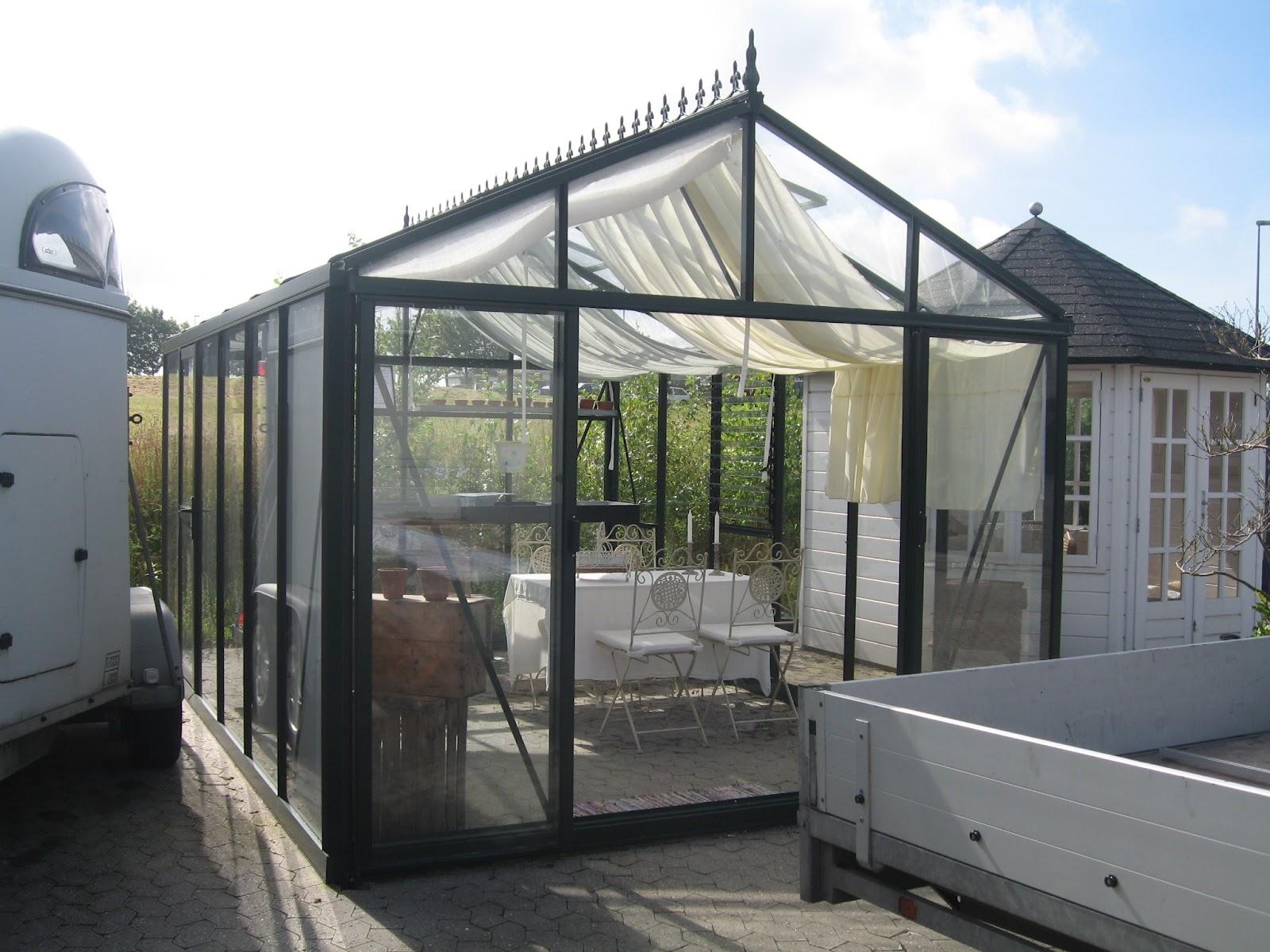 pavillon danmark. Black Bedroom Furniture Sets. Home Design Ideas