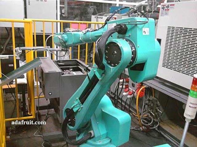 Foxbot Robot Pekerja Foxconn
