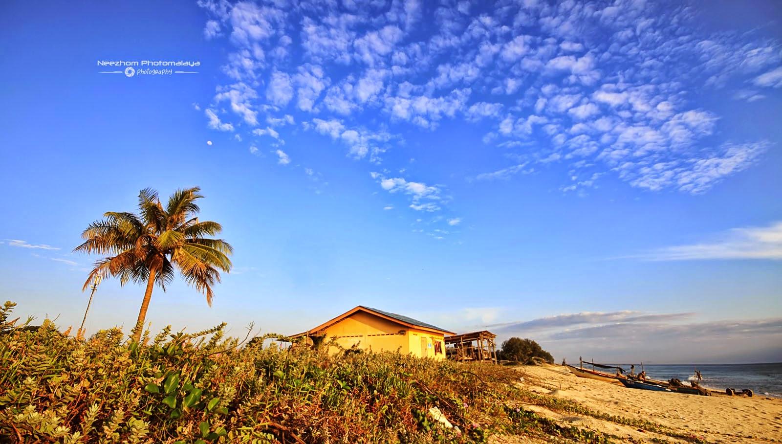 Rumah Kecil di tepi Pantai Kuala Ibai