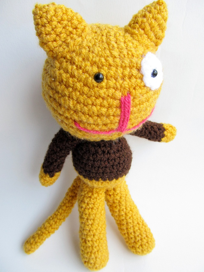 Knitted Amigurumi Cat Pattern : {Amigurumi Cat Pattern} - Little Things Blogged