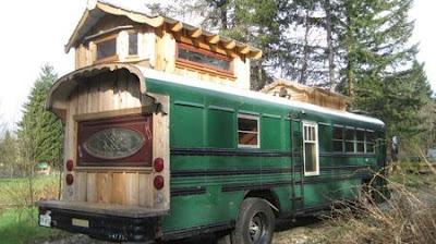 Rumah keluarga dari bas