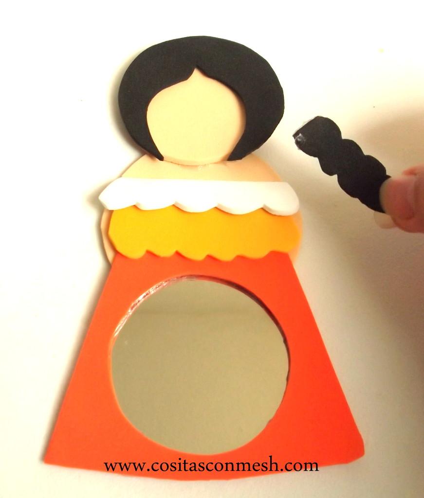 Manualidades con espejos y goma eva cositasconmesh for Espejos pequenos para pegar